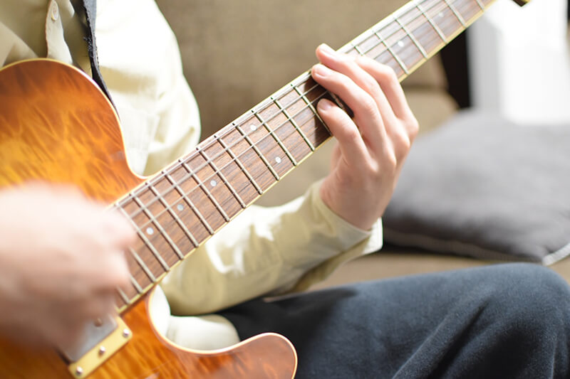ギター初心者のおすすめ練習方法【コードの覚え方と右手のストローク】